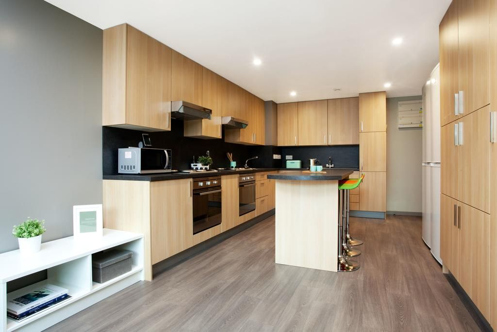 st leonards street - communal kitchen