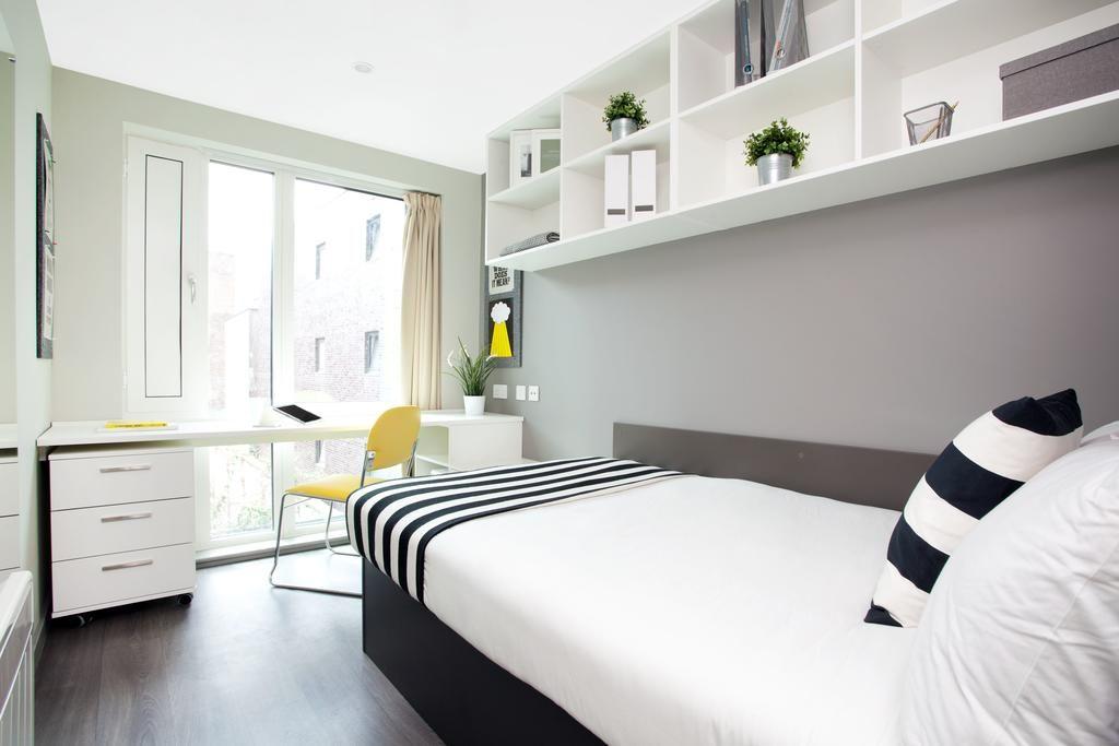 st leonards street - room 2